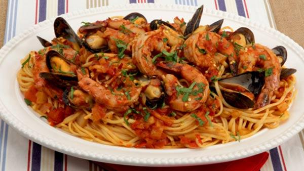 Weeknight seafood dinner best recipes ever the live well network weeknight seafood dinner best recipes ever the live well network 600x338g forumfinder Image collections